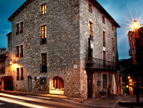 FONDA XESC - Restaurant i Hotel