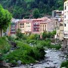 Passeig pel costat del riu a Ribes de Freser