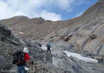Comencem a trobar les primeres neus de la glacera.