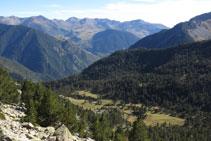 Vistes enrere cap al formós Planell de Llubriqueto.