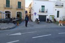 Agafem el carrer de la Miranda.