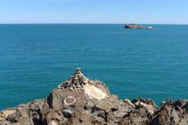 Punta del Cap de Creus amb l´illeta de sa Rata al fons.