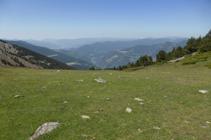 Vista panoràmica cap al S d´Andorra des de la collada de la Caülla.