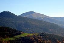 Vistes cap al Puig Cornador i el Taga.