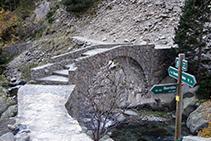 Arribant al pont de Cremal.