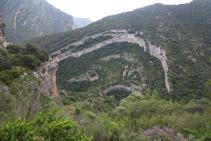 Des del Serrat Pedregós tenim unes molt bones vistes del fons de la vall.