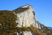 Vistes a l´Avedoga d´Adons, un dels cims predominants de la serra de Sant Gervàs.