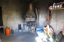 Interior del refugi de Boumort.