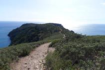 Durant aquest tram, les vistes que tenim del Cap de Norfeu són precioses.
