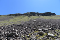 Amunt a l´esquerra, els contraforts del Montsent de Pallars.