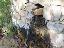 Font d´aigua fresca situada abans del barranc.