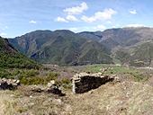 Malmercat i el castell d�Arcal�s des de Sort