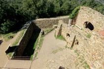 El fossat del castell de Sant Miquel.