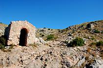 Segona i tercera capella al Camí Vell de Santa Caterina.