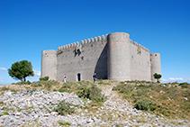 El castell del Montgrí vist des del SE.