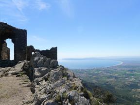 Castell de Sant Salvador de Verdera des de Sant Pere de Rodes