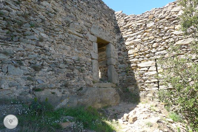 Castell de Sant Salvador de Verdera des de Sant Pere de Rodes 1