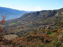 Boniques vistes de Sant Cristòfol i Sant Miquel de la Vall.