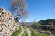 Mur de pedra seca entrant a Querforadat.