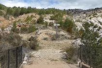Cruïlla de camins al pont de la Foradada.