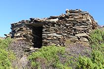 Cabana a prop del coll de Sa Perafita.