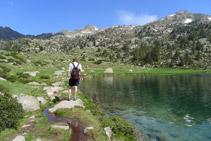 Rodegem el llac d´Aumar fins a la seva capçalera.