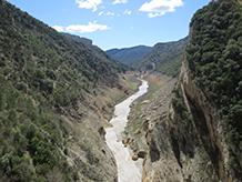 Sortint del congost, seguim el curs del riu Noguera Ribagorçana.
