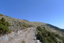 Flanquegem la muntanya cap a la dreta.