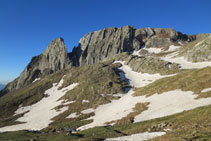 Mirada al S, cresta de Forcau (Forcau Baixo i Forcau Alto).