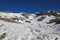 Inici de la cresta d´Espases: pic Pavots, coll de Pavots i pic Espases.