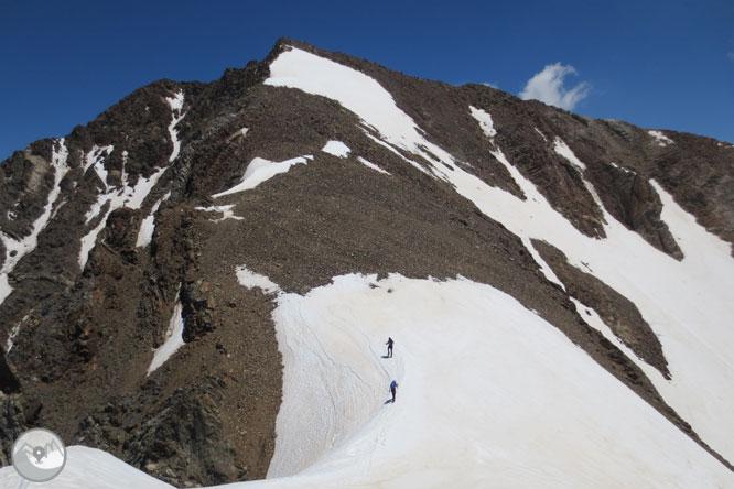 Posets (3.375m) per la cresta d