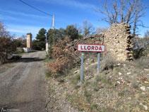 Inici i part alta del poble de Llordà.