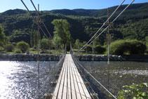 Creuem el pont.