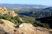 Instal·lació de ràpel al cim de l´Agulla de la Roca Llisa.