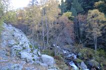 Anem remuntant la vall del riu de Perafita.