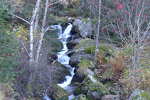 Bonic salt d´aigua del riu de Perafita.