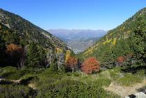 Mirada enrere (NO): la vall de Perafita, per on hem pujat.
