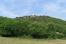 Durant la baixada, veiem el nucli de Cabestany a la nostra esquerra.