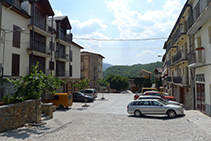 Plaça del Portal de la Pobleta de Bellveí.