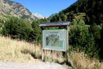 Panell explicatiu de la Ribera de Sant Martí al Parc Nacional d´Aigüestortes i Estany de Sant Maurici.