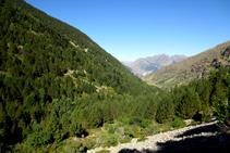 Mirada enrere cap a la Ribera de Sant Martí (vessant obac i solell).