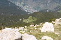 L´evident clariana amb el poble d´Encamp al fons de la vall.