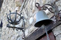 Molts elements de forja al veïnat de la Roca.