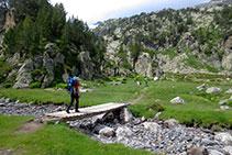 Pont que precedeix el trencall cap a la vall de Barrancs.