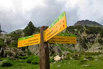 Senyalització vertical a l´entrada de la vall de Barrancs, a l´extrem S del Plan d´Aigualluts.