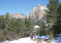 En aquesta part del recorregut destaca en tot moment les vistes de la Roca Gran de Ferrús i el coll de l´Estret.