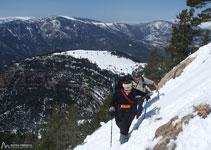 Guanyem altitud ràpidament, les vistes són cada vegada més espectaculars.