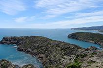 Vistes de la mar d´Avall des dels voltants del far del Cap de Creus.
