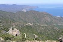 Monestir de Sant Pere de Rodes des del castell de Verdera.