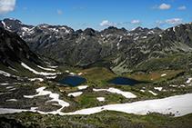 Els estanys de Siscarró des del Pas de les Vaques.